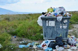 garbage can full of garbage